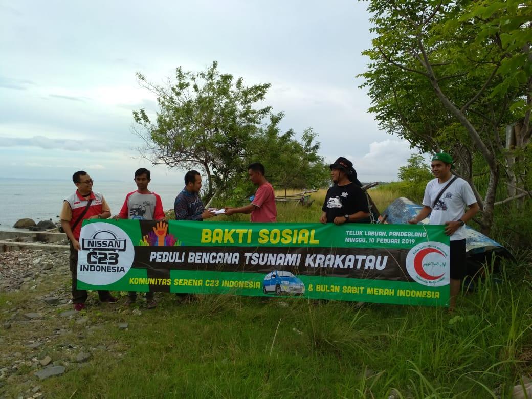 Perwakilan Serena C23 Indonesia bersama Tim BSMI menyerahkan dana bantuan