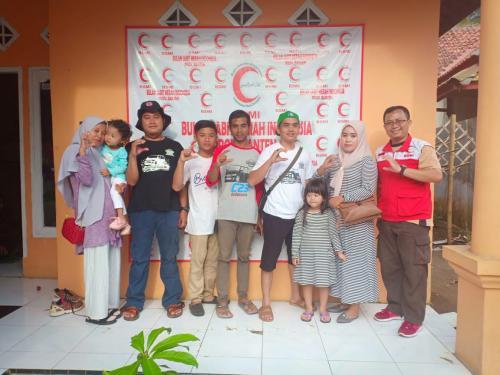 Perwakilan Serena C23 Indonesia untuk Baksos Tsunami Krakatau 2